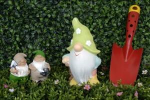 Фигурки для сада создадут домашнюю сказку